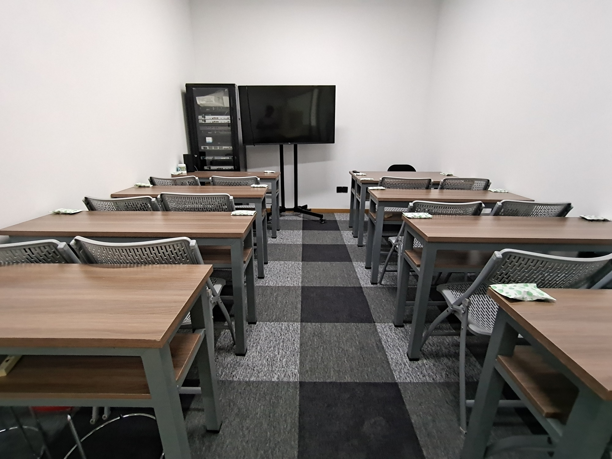 """<div align=""""center""""> 奥斯科-教室三 </div>"""